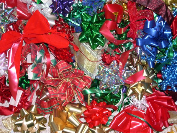 Holiday bows