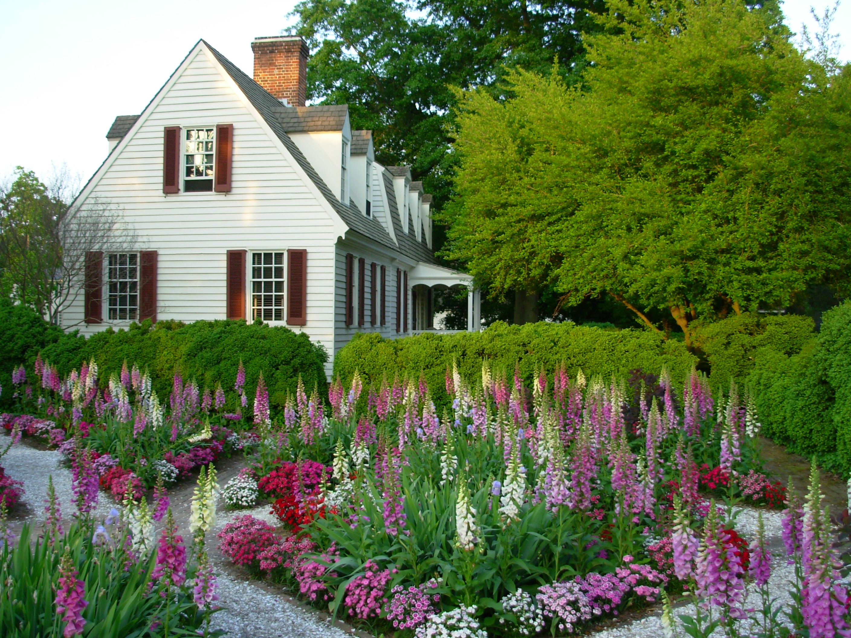 Amazing ... 2816 × 2112 Pixels ♢ Back To Gallery. A Garden In Colonial Williamsburg  ...
