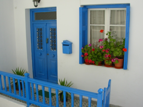 The residents of Mykonos, Greece really know how to brighten up the world! 2008