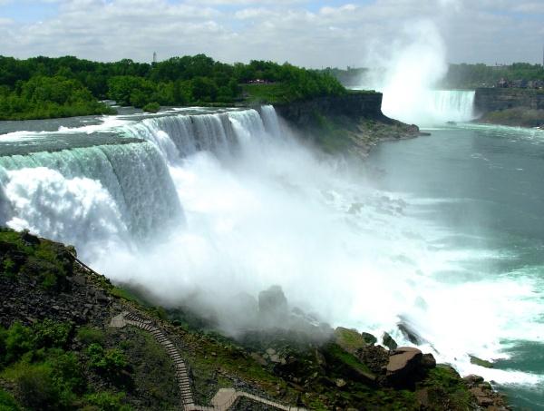 Niagara Falls, the USA and Canada, May 2009