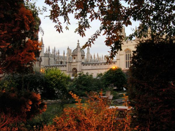 "The ""dreaming spires"" of Oxford, as seen at dusk in September 2005"