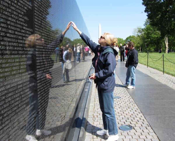 In memory of Earl Glenn Cobeil, my April 2012 visit to the Vietnam Veterans Memorial.