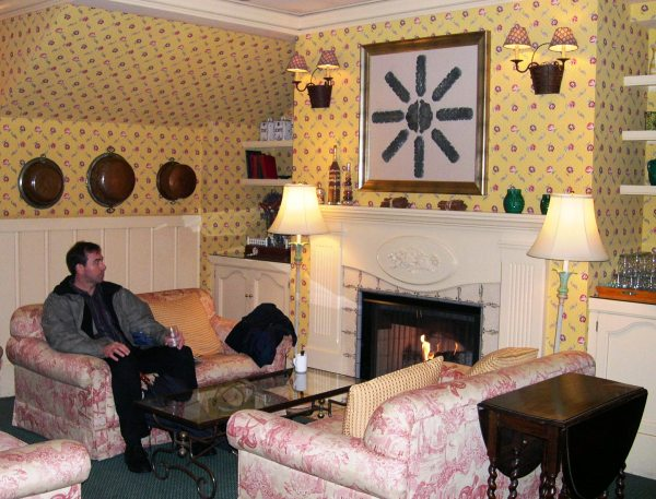 Jeff relaxes at the Petite Auberge in San Francisco, January 2004