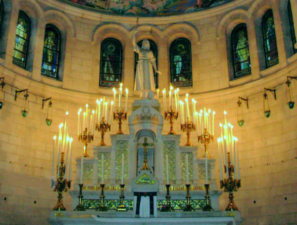 April 2007 - Joan's statue stands inside the Basilica of Bois-Chenu,near the tiny village of her birth at Domremy, France