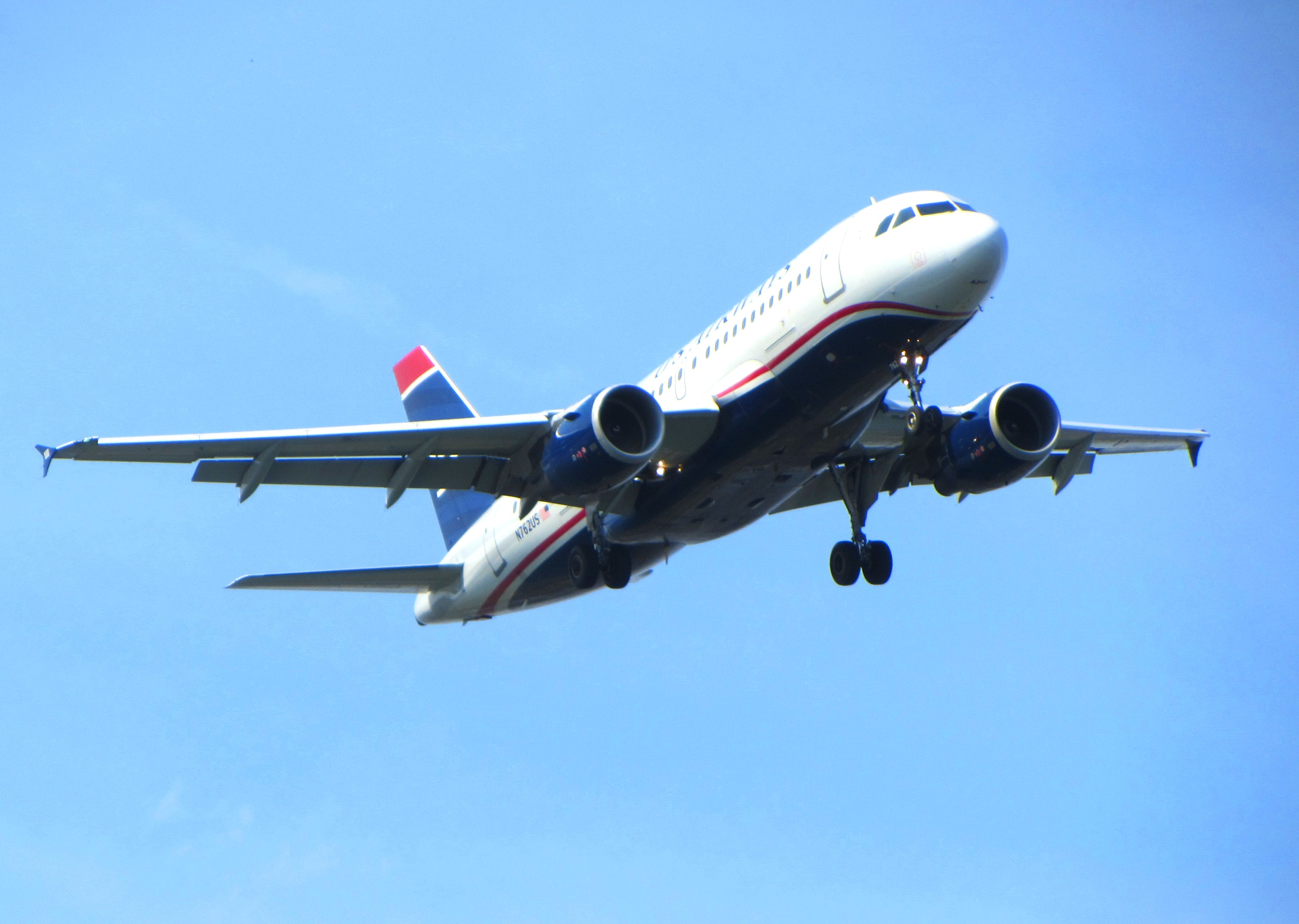 A US Airways jet approaches DCA in FAA-choreographed precision. Taken from the Arlington Memorial Bridge, April 2013