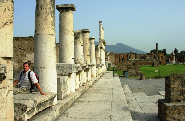 Jeff at Pompeii, a nice place to visit-- but I wouldn't want to have lived there! May, 2008