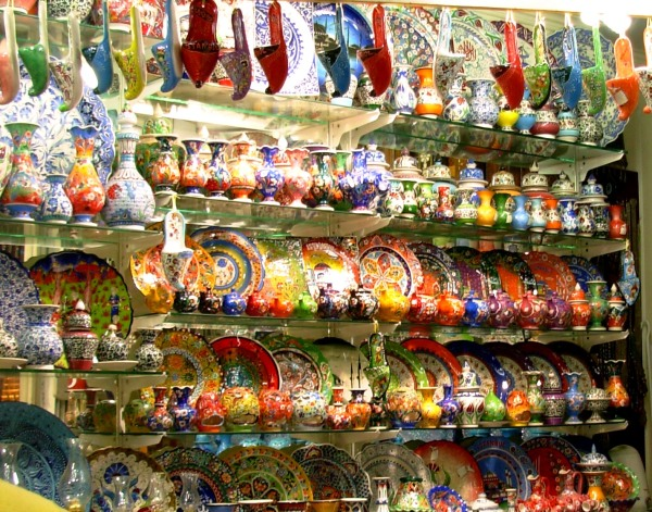 Such beautiful dishes at the Grand Bazaar in Is.tanbul! It was impossible to choose -- so I didn't!  May 2008