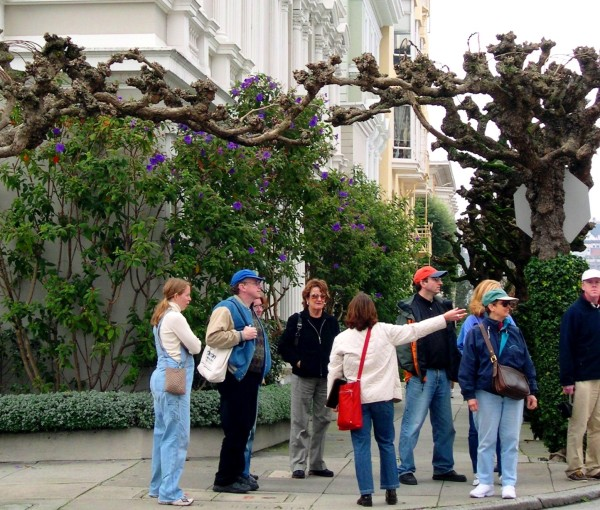 A City Guides tour of stunning Pacific Heights, January 2004