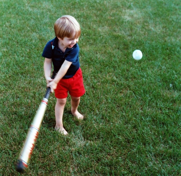 Drew loved baseball from a very early age...with his Daddy's influence, of course!  Sometime in 1986, Huber Heights, Ohio.