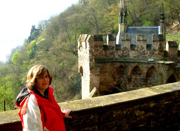 Amy and I toured this ancient but appealing castle on the Rhine in April 2007.