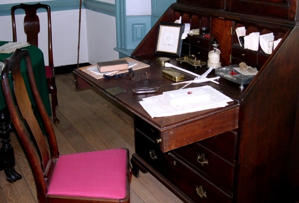 Colonial Williamsburg writing desk, Nov 2004