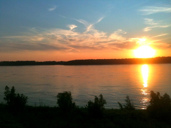 Sunset on Mud Island, Aug 27 2011, Memphis, Tennessee Photo by SportsandHistoryReader521 CC BY-SA 3.0